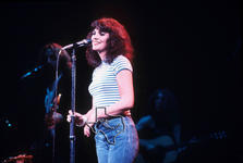 Linda Ronstadt - Dec 17, 1974 at Cullen Auditorium