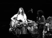 Emmylou Harris - Jul 4, 1976 at The Summit