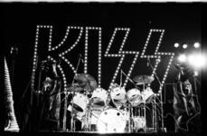 Kiss - Aug 13, 1976 at The Summit
