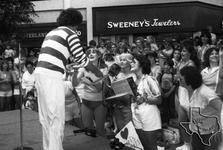 Richard Simmons - Jul 23, 1982 at Pasadena Town Square