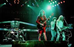 AC/DC - Aug 6, 1988 at The Summit