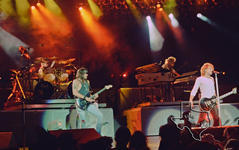 Bon Jovi / Jon Bon Jovi - Jul 11, 1993 at The Woodlands Pavilion