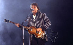 Paul McCartney - May 29, 1993 at The Alamodome, San Antonio, Texas
