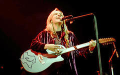 Melissa Etheridge - Jul 21, 1994 at New Orleans Superdome