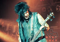 Motley Crue - Aug 29, 1999 at The Woodlands Pavilion