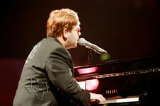 Elton John - Apr 25, 2000 at Beaumont Civic Center