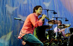 Train - Sep 8, 2001 at The Woodlands Pavilion