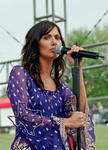 Natalie Imbruglia - Apr 6, 2002 at Eleanor Tinsely Park, Houston, Texas