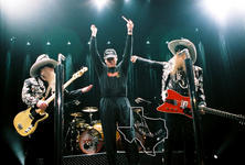 Gov. Rick Perry with ZZ Top - Nov 22, 2003 at The Compaq Center, Houston, Texas