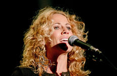 Sheryl Crow - Sep 17, 2004 at Zilker Park, Austin, Texas