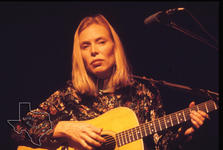 Joni Mitchell - Jan 22, 1976 at Sam Houston Coliseum