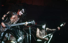 Kiss - Oct 4, 1974 at Houston Music Hall