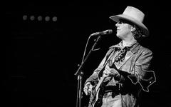 Jerry Jeff Walker - Dec 19, 1976 at The Summit