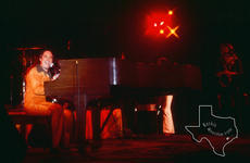 Neil Sedaka - Sep 24, 1976 at Houston Music Hall